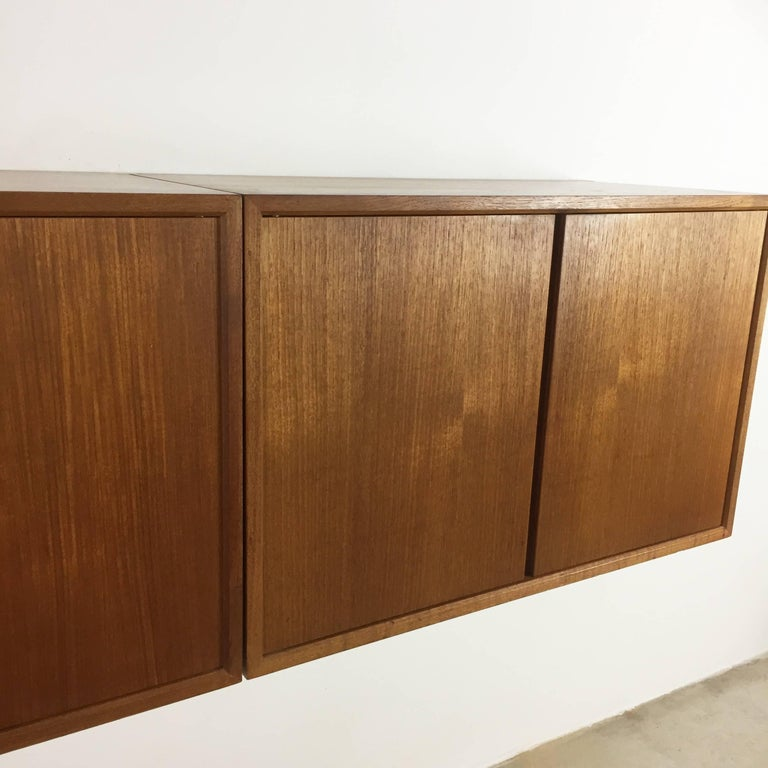Original 1960s Floating Modular Teak Wall Unit by Poul Cadovius for Cado Denmark For Sale 6