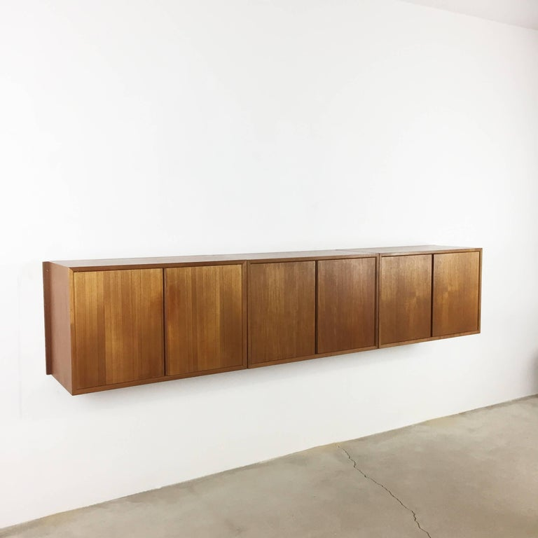 Original 1960s Floating Modular Teak Wall Unit by Poul Cadovius for Cado Denmark For Sale 13