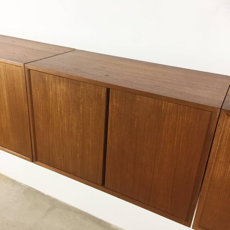 Original 1960s Floating Modular Teak Wall Unit by Poul Cadovius for Cado Denmark For Sale 1