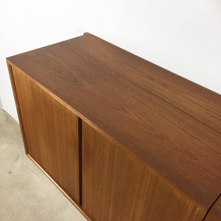Original 1960s Floating Modular Teak Wall Unit by Poul Cadovius for Cado Denmark For Sale 2