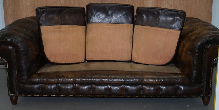 Original 1880 Brown Leather Victorian Chesterfield Club Sofa Horse Hair Filled For Sale 11