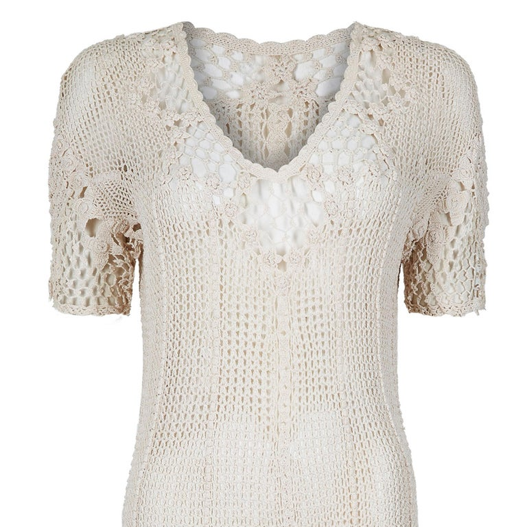 Original 1930s Ivory Irish Hand Crochet Lace Dress With Floral Design  In Excellent Condition For Sale In London, GB