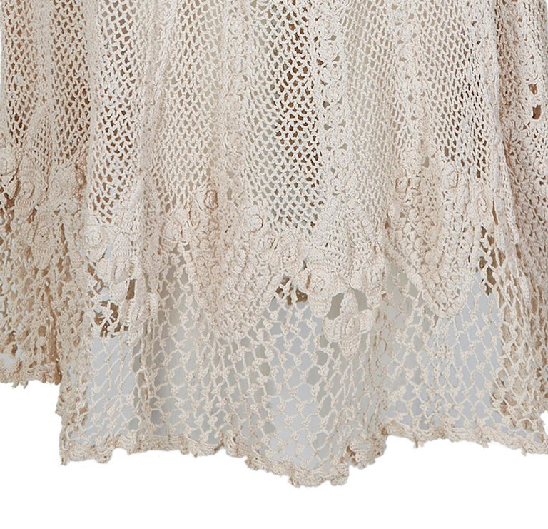 Original 1930s Ivory Irish Hand Crochet Lace Dress With Floral Design  For Sale 1
