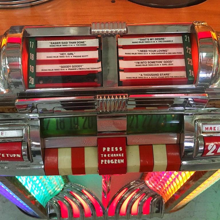 Original 1948 Wurlitzer 1100 Vinyl Jukebox For Sale 3