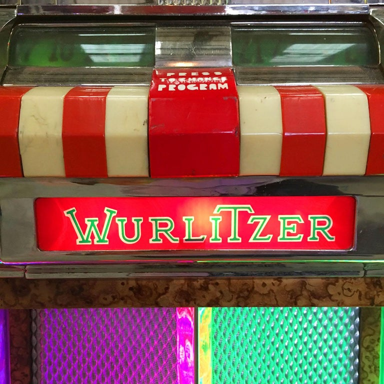 Original 1948 Wurlitzer 1100 Vinyl Jukebox For Sale 4