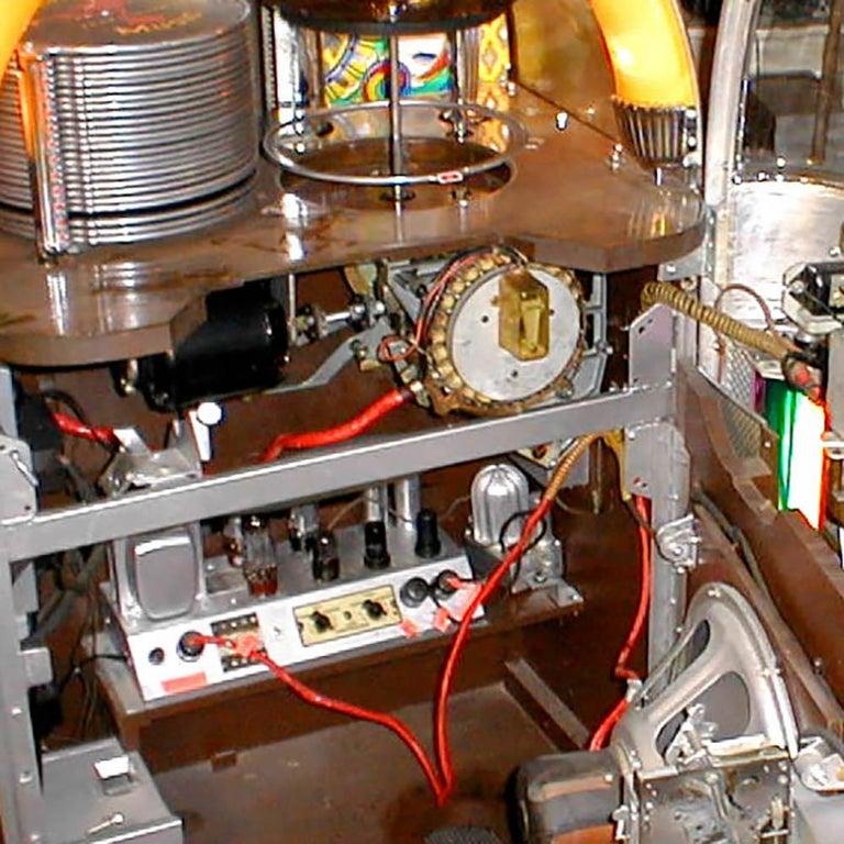 Original 1948 Wurlitzer 1100 Vinyl Jukebox In Good Condition For Sale In Weybridge, Surrey