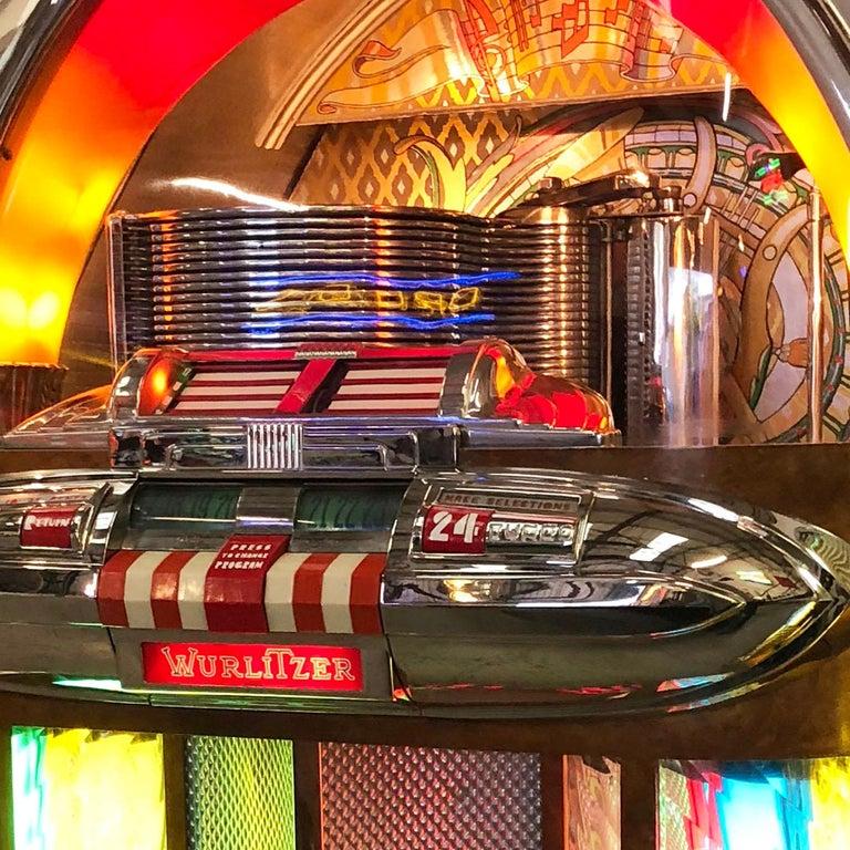 Wood Original 1948 Wurlitzer 1100 Vinyl Jukebox For Sale