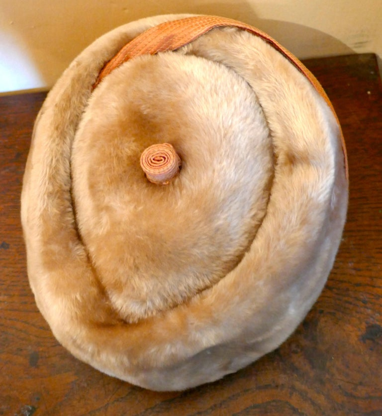 Women's Original 1950s Felt Fur Pill Box Hat, trimmed with Satin Ribbon  For Sale