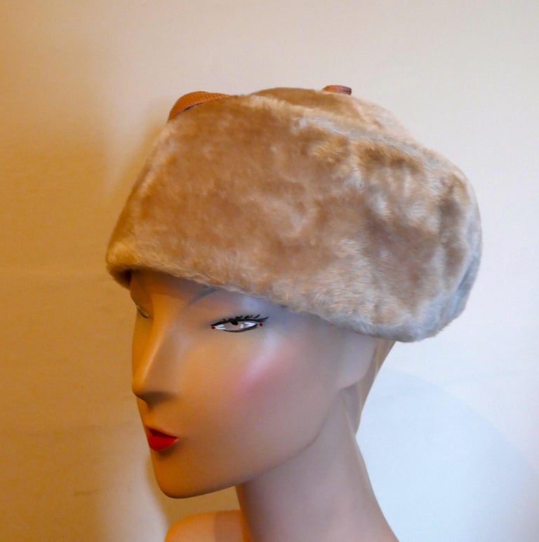 Original 1950s Felt Fur Pill Box Hat, trimmed with Satin Ribbon  For Sale 2
