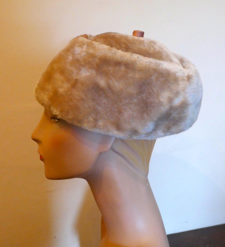 Original 1950s Felt Fur Pill Box Hat, trimmed with Satin Ribbon  For Sale 3