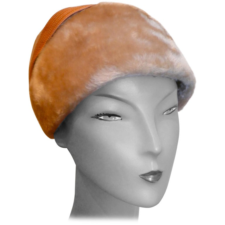 Original 1950s Felt Fur Pill Box Hat, trimmed with Satin Ribbon  For Sale