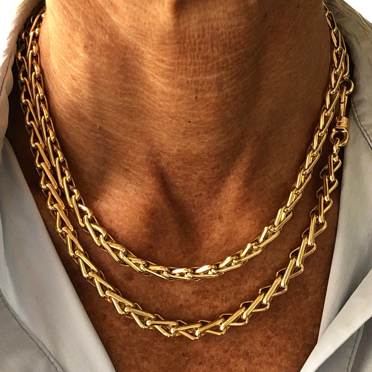 Original 1980 One-of-a-Kind Pomellato 18K Solid Yellow Gold Long Chain Necklace For Sale 8