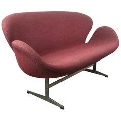 Original Arne Jacobsen Swan Sofa Settee, Fritz Hansen, Denmark, 1970