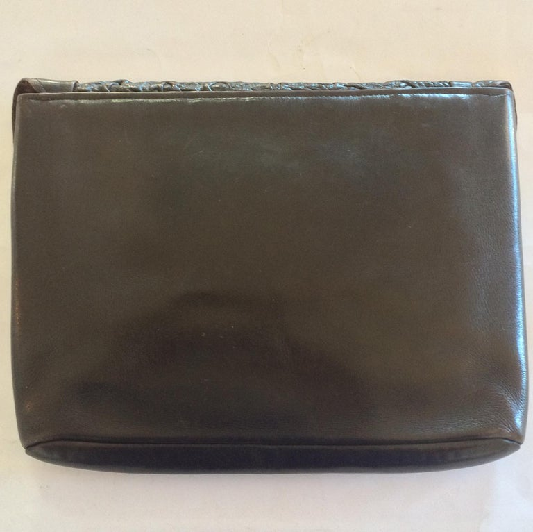 72bc2c8c9fbde Original Art Deco Leder-Handtasche in Braun mit Bakelit-Verschluss ...