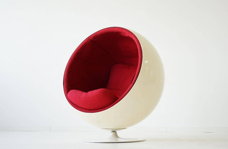Original ball chair by Eero Aarnio Asko