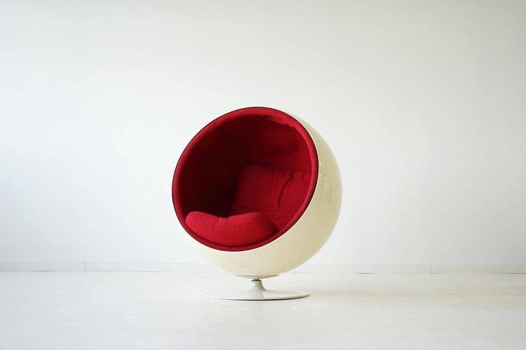 Mid-Century Modern Original Ball Chair by Eero Aarnio Asko For Sale