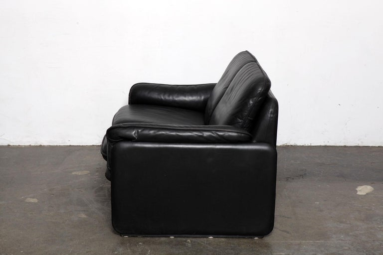 Original Black Leather Recliner Chair from De Sede, Model DS-50, Switzerland In Good Condition For Sale In North Hollywood, CA