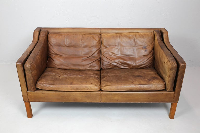 Original Borge Mogensen 2212 Sofa in Patinated Leather, Denmark, 1960s-1970s In Good Condition In London, GB