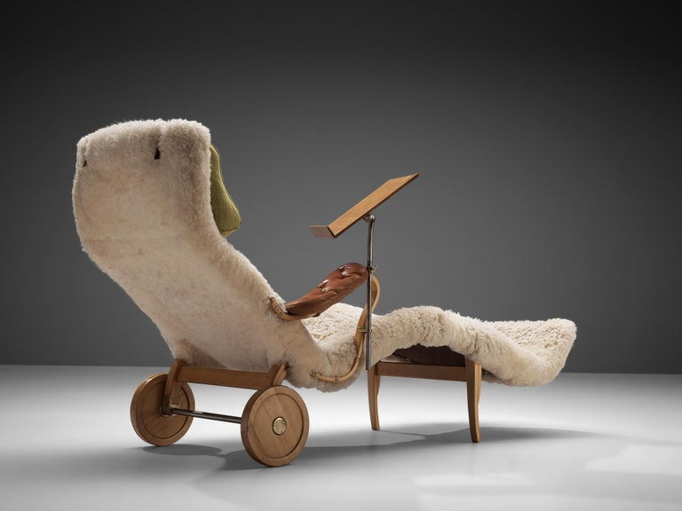 Mid-20th Century Original Bruno Mathsson 'Pernilla' Chaise Longue in Beech, Leather and Shearling For Sale