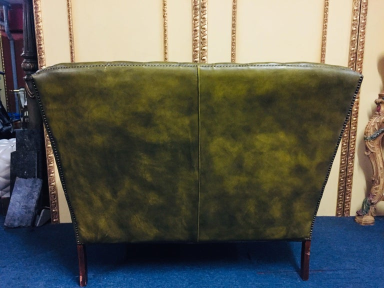 Original Chesterfield Sofa Queen Ann Modell in Green For Sale 6