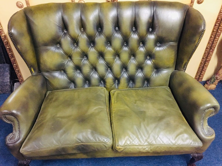 English Original Chesterfield Sofa Queen Ann Modell in Green For Sale
