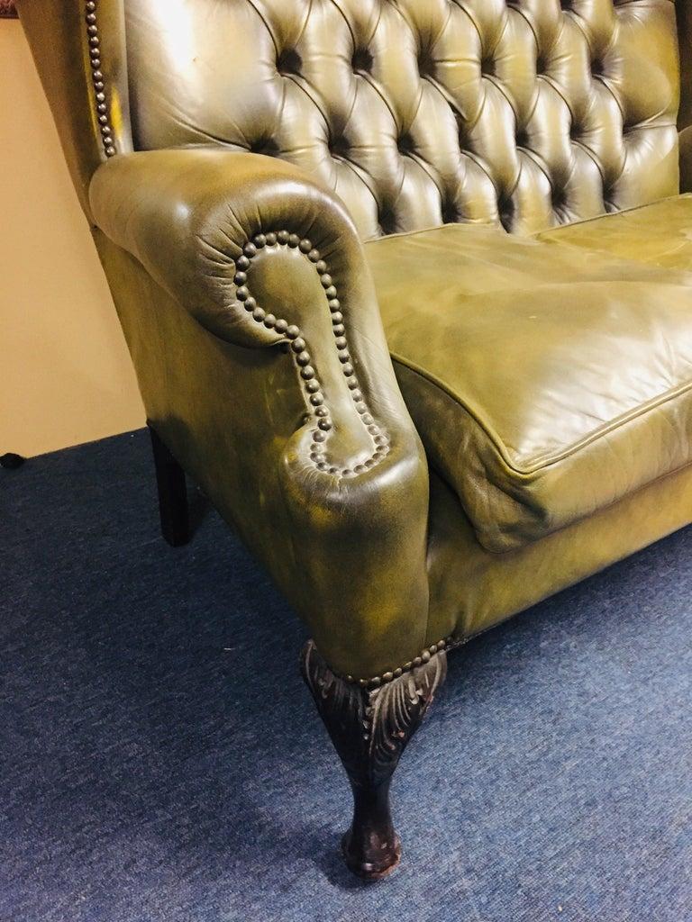 Original Chesterfield Sofa Queen Ann Modell in Green For Sale 1