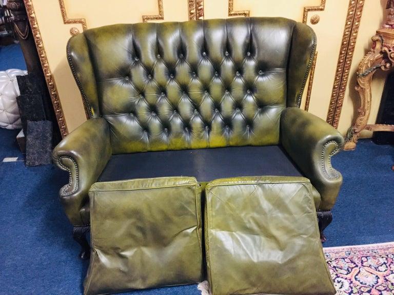 Original Chesterfield Sofa Queen Ann Modell in Green For Sale 2
