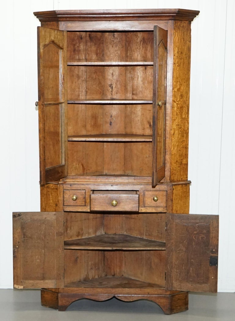 Original circa 1840 Victorian Honey Oak Corner Cupboard Bookcase Brass Handles For Sale 9