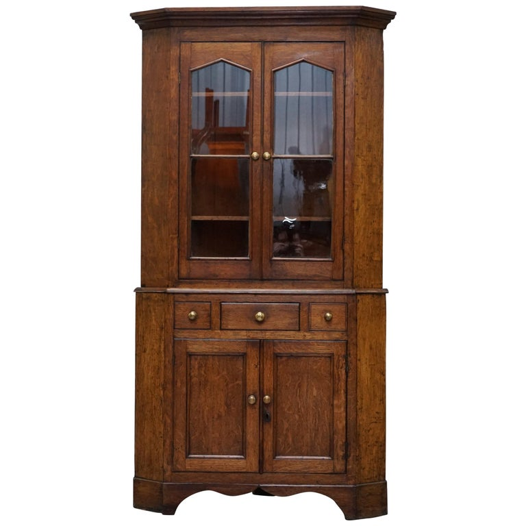 Original circa 1840 Victorian Honey Oak Corner Cupboard Bookcase Brass Handles For Sale