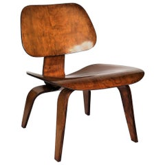 Original Eames LCW Maple Plywood Lounge Chair for Herman Miller, circa 1940