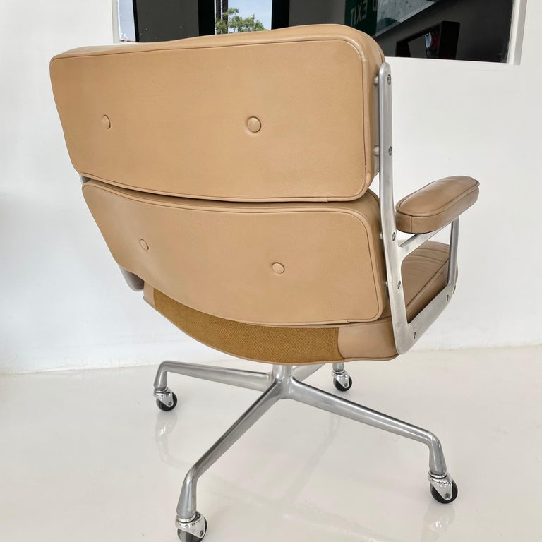 Late 20th Century Original Eames Time Life Chair in Camel Leather