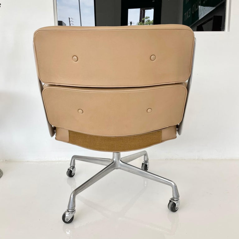 Aluminum Original Eames Time Life Chair in Camel Leather