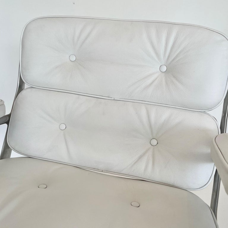 Original Eames Time Life Chair in White Leather For Sale 9