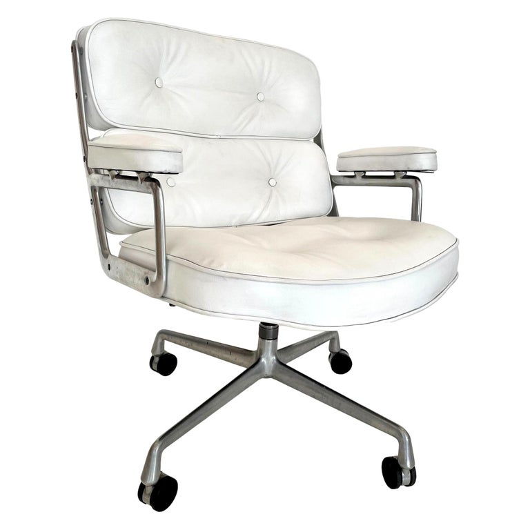 Original Eames Time Life Chair in White Leather For Sale