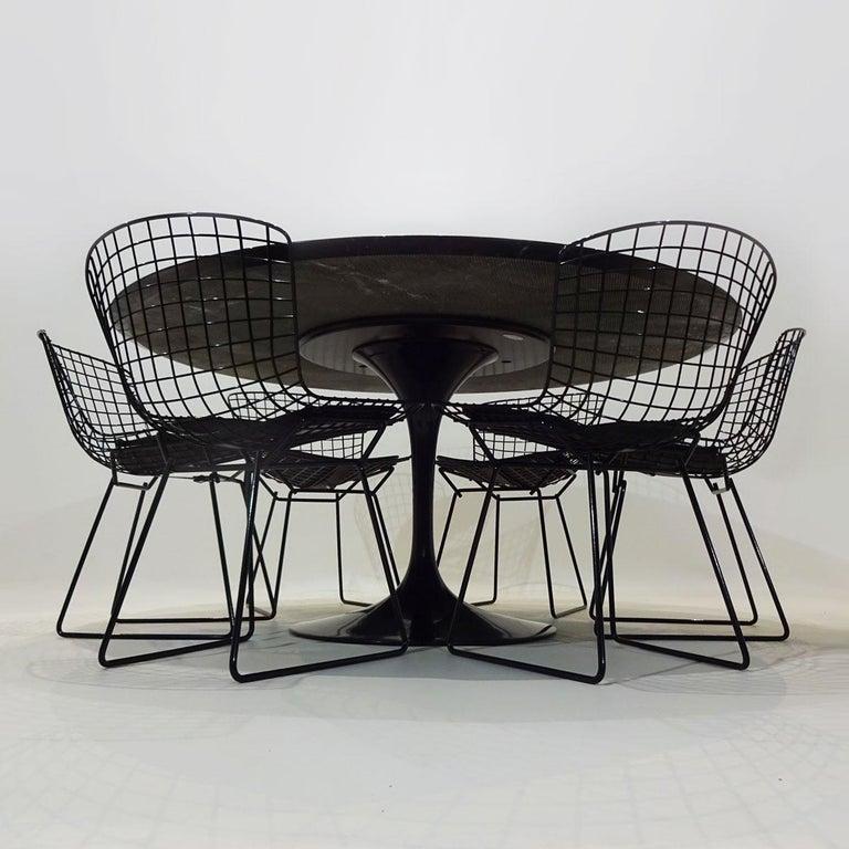 American Original Eero Saarinen Black Marble Tulip Dining Table and Bertoia Wire Chairs For Sale