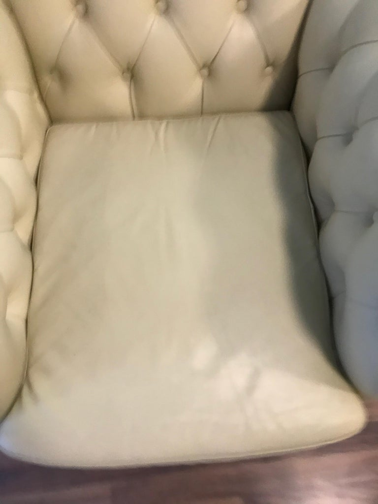 Original English Chesterfield Set of 3-Seat and 2 Armchairs in Cream Beige For Sale 8