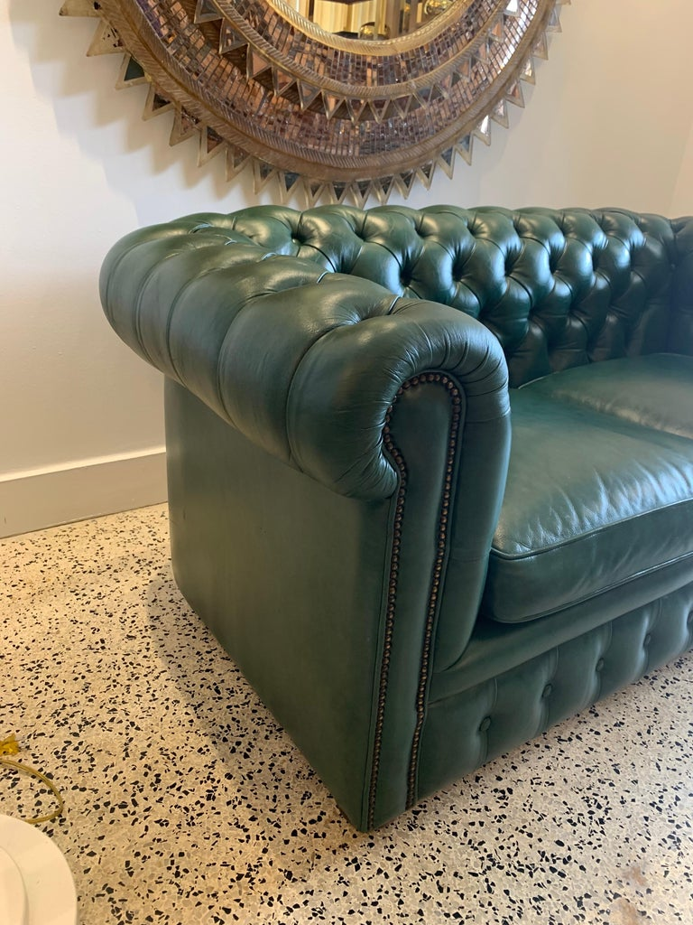Original English Hunter Green Chesterfield Leather Two-Seat Sofa For Sale 8