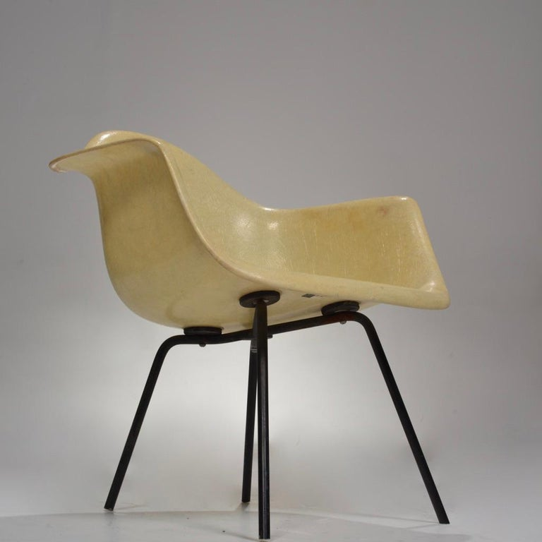 Original First Generation Eames Zenith Rope-Edge LAX Lounge Chair In Good Condition For Sale In Los Angeles, CA