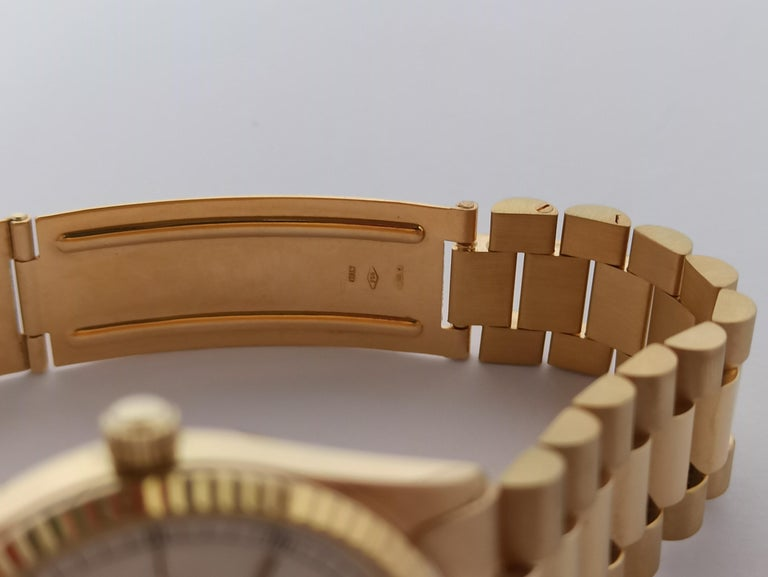 Original Genève Day Date Style 18 Karat Solid Gold Wristwatch President Bracelet For Sale 2