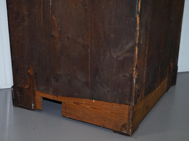 Original George III circa 1760 Solid Mahogany Corner Cupboard Large Bookcase For Sale 9