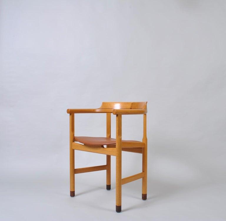 Original Hans J Wegner Oak and Tan Leather Chairs, Set of 6 For Sale 7