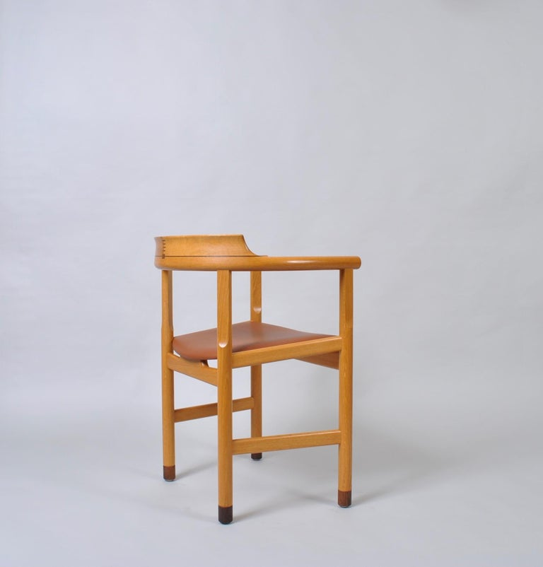 Original Hans J Wegner Oak and Tan Leather Chairs, Set of 6 For Sale 10