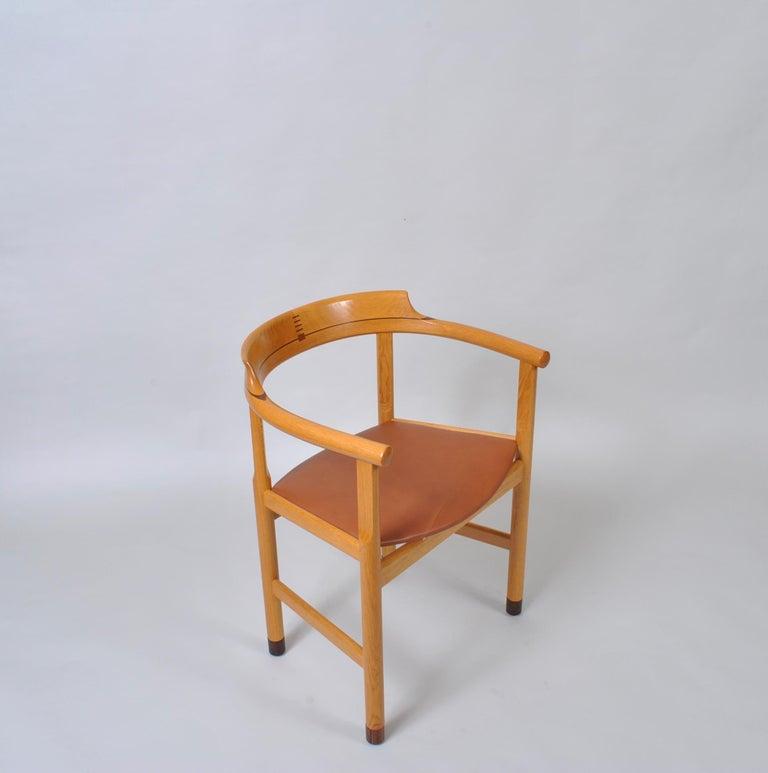 Original Hans J Wegner Oak and Tan Leather Chairs, Set of 6 For Sale 12