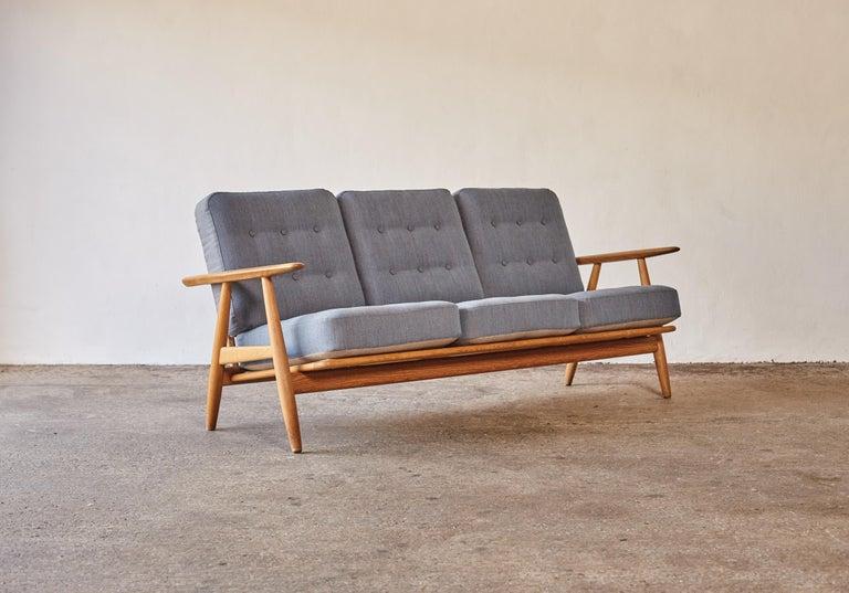 Mid-20th Century Original Hans Wegner GE-240 Cigar Sofa, Denmark, 1960s For Sale