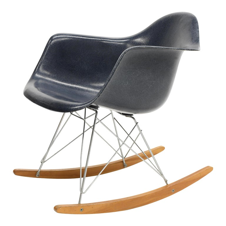 Original Herman Miller Eames Fiberglass RAR Rocking Chair in Navy Blue For Sale