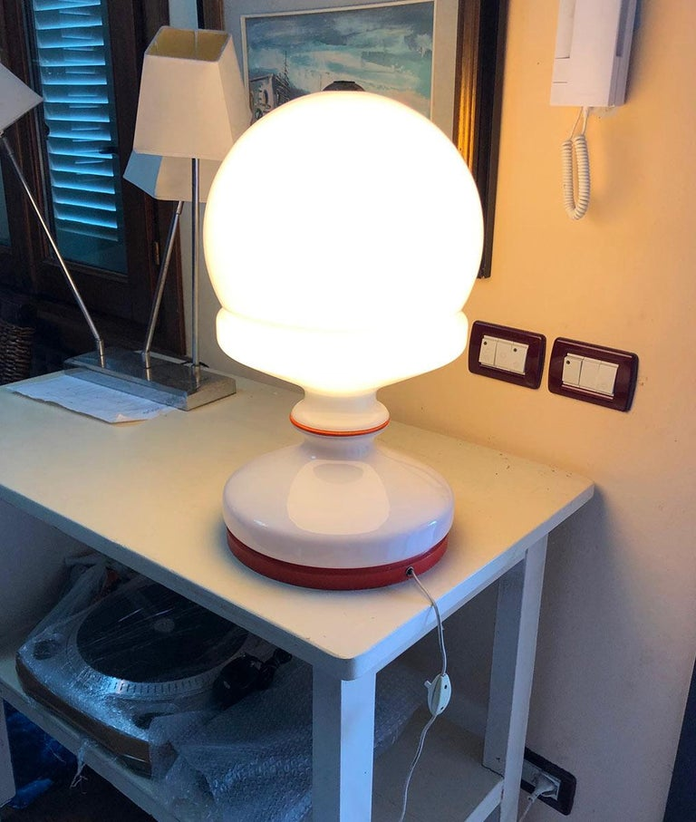 Italian table lamp, original from the 1960s, attractive color, original electrical system.