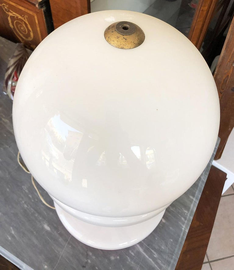 Original Italian Lamp from the 1960s Special Design In Excellent Condition For Sale In Buggiano, IT
