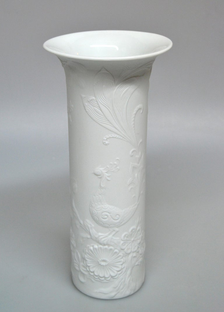 Original Kaiser White Bisque Ceramic Flower Vase, Made in West-Germany, 1960s For Sale 1