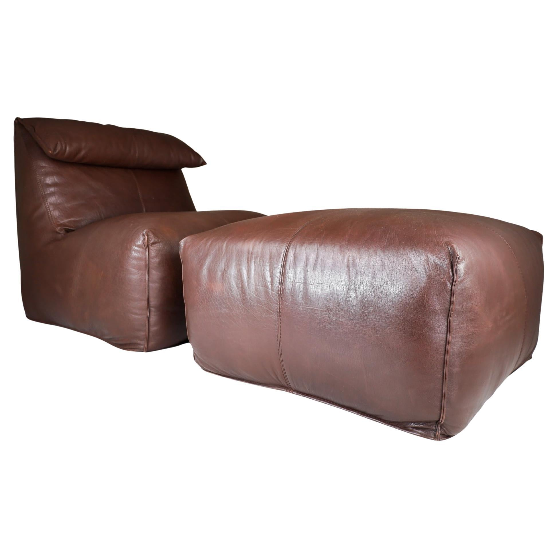 Original Leather Lounge Chair & Pouf Le Bambole by Mario Bellini for B&B Italia