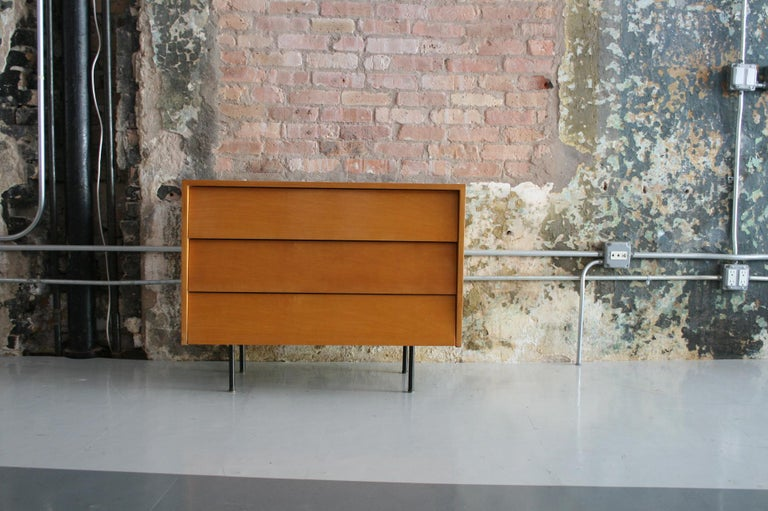 Original Maple Louvered Dresser by Florence Knoll for Knoll In Good Condition For Sale In Chicago, IL